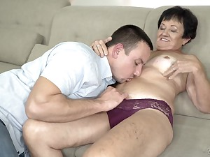Mature short haired granny Hettie gets her frowardness filled with cum