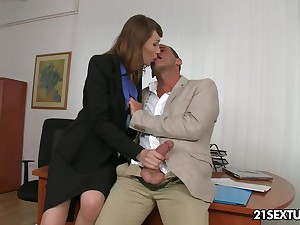 Office MMF threesome with appetizing looking nympho is must see