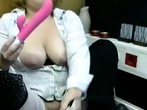 Vicky fat tits and nipples dildo