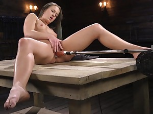 Attracting peerless model Chayenne Jewel spreads her legs to play