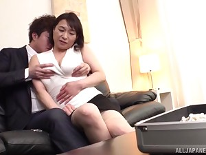 Impassioned fucking chiefly slay rub elbows with leather bed with MILF Tokita Kozue