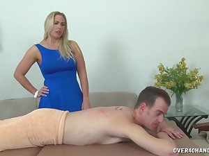 Big ass mom is keen beside goat the dick instead of giving massage