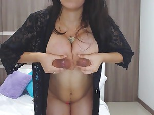 Brunette Kimmy Jones - Broad in the beam natural tits milking first of all webcam