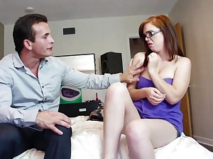 Nerdy amateur is in for a treat with step daddy