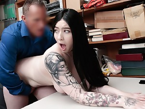 Amilia Onyx taste and titfuck Officer Marcus chopper