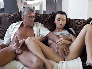 DADDY4K. Erica Black has wild mating with BFs pop behind