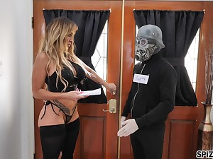 Dude in cool coronavirus mask fucks sex-starved single woman Aubrey Black
